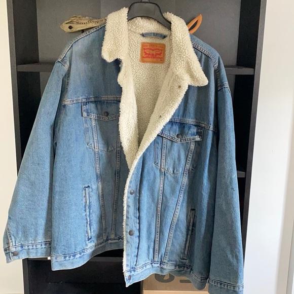 Worn once sherpa jacket